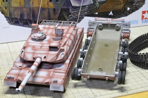 TTamiya 1/35MM 陸上自衛隊 10式戦車
